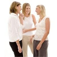 Kadınlar Birbirine Neden Mutlaka Yalan Söyler?