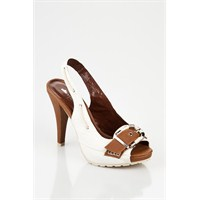 Flo Mağazalarında Moda Olan Bayan Ayakkabıları