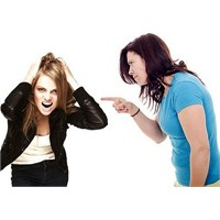 Ergenlikte Kızlarda Görülen Fiziksel Değişimler