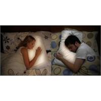 Uzaktaki Sevgililer İçin Yastık