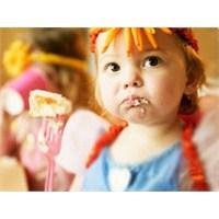 Gergin Ailede Çocuklar İştahsız Oluyor