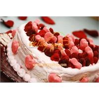 Frambuazlı Kalp Pasta Tarifi
