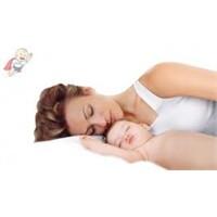 Bebeğiyle Uyumak İsteyen Ebeveynler…cam Patikler..