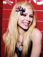 Avril Lavigne Hayranlarına Süper Hediye !
