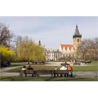 Prag'ın En Güzel Meydanlarından Charles Square
