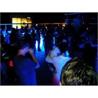 Suadiye'de Bir Dans Gecesi..