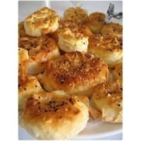 Pratik Lezzetlerden Sütlü Börek