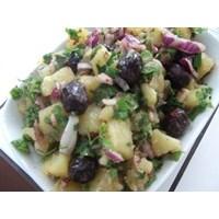 Sumaklı Nar Ekşili Patetes Salatası