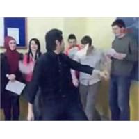 """Müzik Eşliğinde Ders Anlatan""""nurtaç Kozak""""(Nurtaç"""
