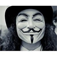 Anonymous 5 Kasımda Facebook'a Saldıracak