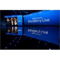 Blackberry Q5'i Tanıttı !