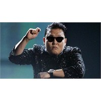 Üst Sınıfla İnce Bir Alaydı Gangnam Style