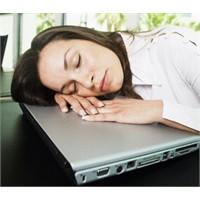 Kadınlar yorgun düşüyorlar