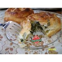 Ispanaklı Gül Böreği Tarifi - Gurme