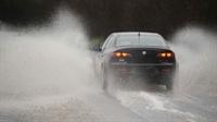 Yağmurlu Havalarda Araç Sürüşü