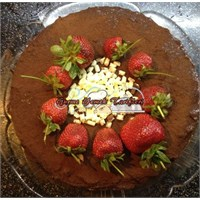 Çikolatalı Çilekli Yaş Pasta