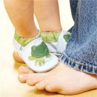 Bebeklerde Doğru Ayakkabı Seçimi