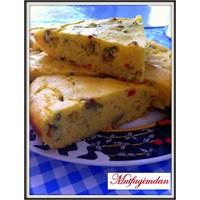 Mısır Unu İle Peynir, Yeşil Zeytin Ve Yeşil Soğanl