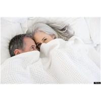 60'lı Yaşların Üzerinde Hala Seks Var Mı?