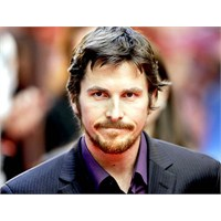 Christian Bale'nin Sakalı Da Oscar Hak Etmiyor Mu?