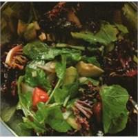 Trüf Soslu Salata