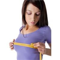 Göğüsleri Daha Büyük Göstermemin Bir Yolu Var Mı?