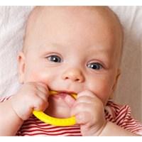 Bebeklerde Diş Sağlığı Annede Başlıyor