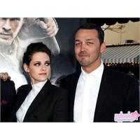 Kristen, Robert'ı Aldattı!