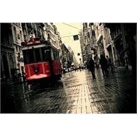 """Beyoğlu'nda """"Edebiyat"""" Var"""