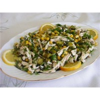 Turşu Ve Mısırlı Tavuk Salatası Tarifi