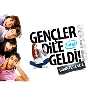 Türk Genci, Sevgilisinden Vazgeçiyor Ama Telefonun
