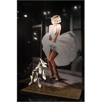 Ferragamo'dan Marilyn Monroe Sergisi