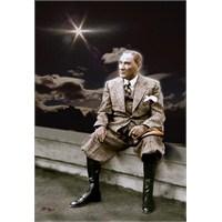 Yalnız Adam Atatürk' Ün Allah' A Duası