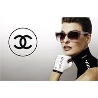 Chanel Gözlüklerle Linda Evangelista