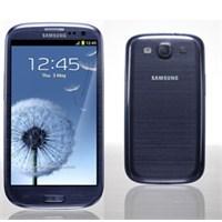 Samsung S İii'ün Çakıl Mavisi Geçikebilir