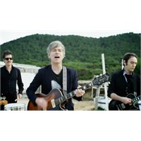 "Yeni Video: Nada Surf ""Waiting For Something"""