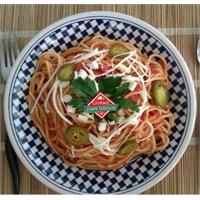 Domatesli Spagetti Tarifi - Gurme