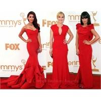 Kırmızı Halının En Güzel Kırmızı Elbiseleri