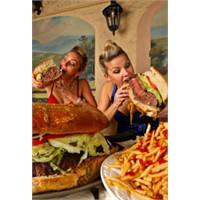 Aşırı yeme problemi mutlaka engellenmeli