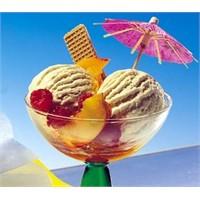 Ballı-meyveli Dondurma Tarifi