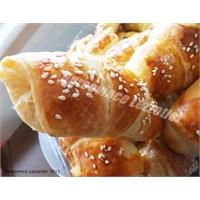 2013 Favori Tariflerden Peynirli Kruvasan Börek