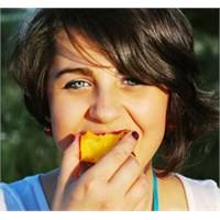 Sağlıklı Saçlar İçin Alınması Gereken 5 Gıda ...