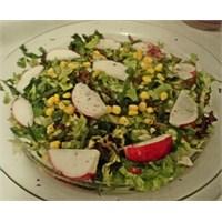 Akdeniz Salatası Yapımı