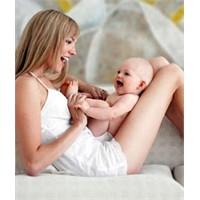 Bebekle Beraber Anne De Doğuyor