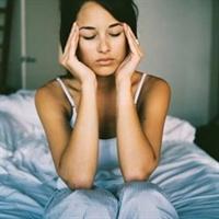 Adet Döneminde Migren Artıyor