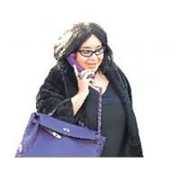 Nur Yerlitaş'dan Cep Ahize Modası