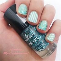 Glorious Aquarius Nail Art
