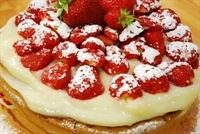 Kremalı - Çilekli Pasta