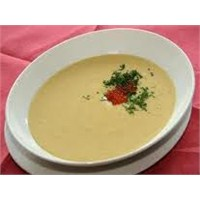 Yemek Guru 'dan Yumurtali Konsome Çorba