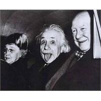 Albert Einstein Ve O İlginç Fotoğrafi